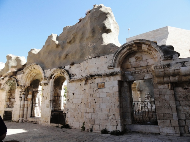 Synagogue in Old City left destroyed by Jordanians in 1948 תפארת ישראל