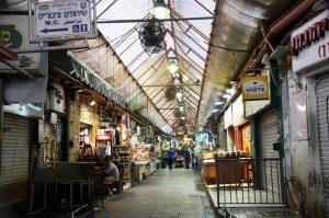 Night is coming at shuk, Machane Yehuda market