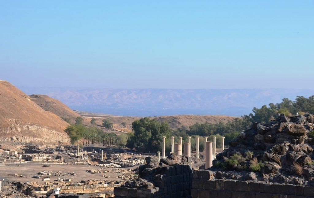 Bet Shean park Roman ruins