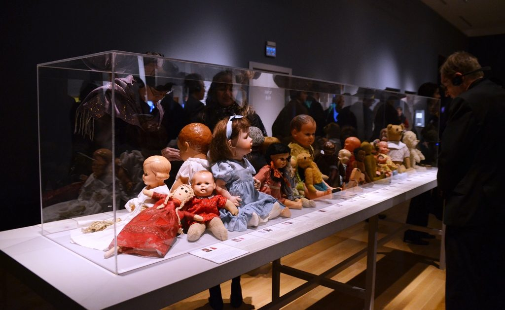 Dolls from Holocaust on exhibit at Yad Vashem