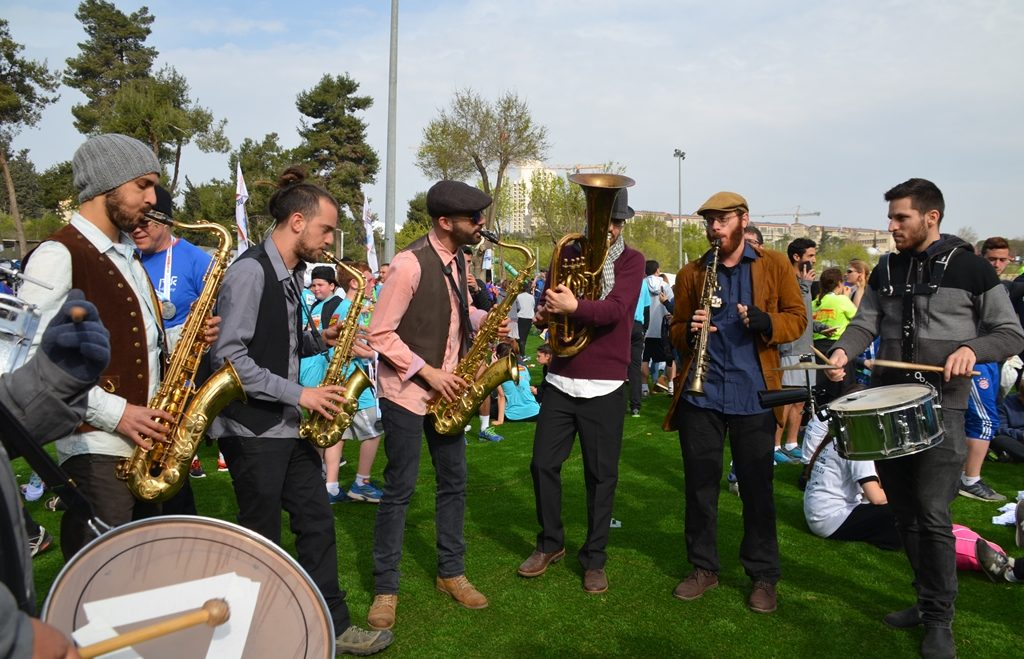 musicians at Gan Sacher for Jerusalem marathon