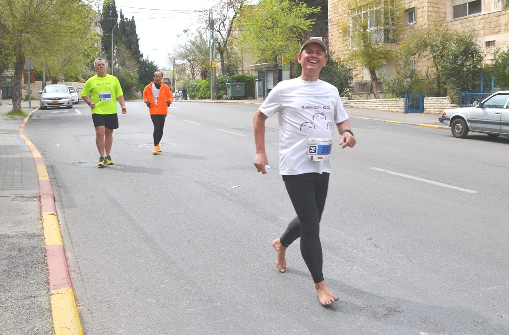 Barefoot Rick running Jerusalem marathon without shoes