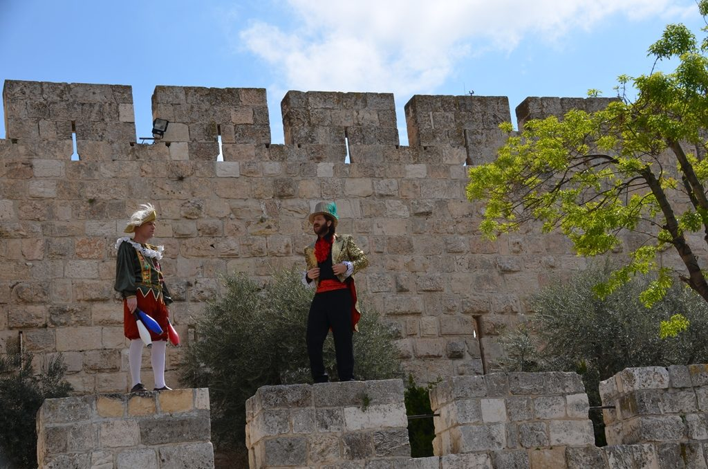 Tower of David actors on wall