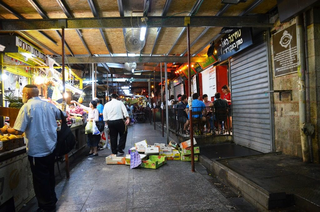 Shuk closing at night, Machane Yehuda Market