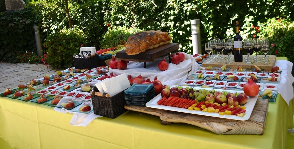 Rosh Hashana table at Beit Hanasi