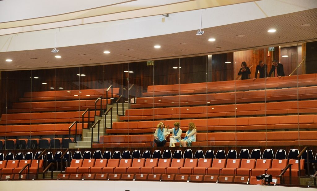 Saving seats for friends at Knesset opening session