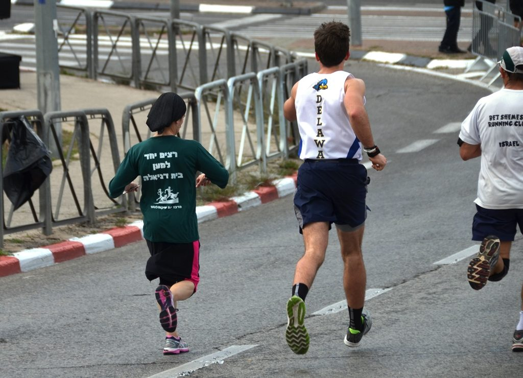 Beatie Deutsch runs to lead female runners in Jerusalem marathon
