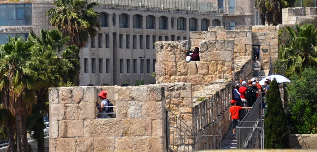 Ramparts walk in Jerusalem on Pesach