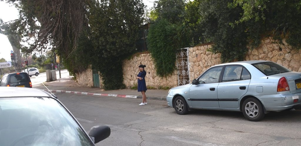 One parking spot is worth standing until your car arrives in Jerusalem on Passover