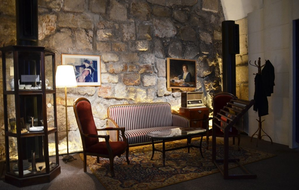 Parlour from British influence in London in Jerusalem exhibit at Tower of David Museum