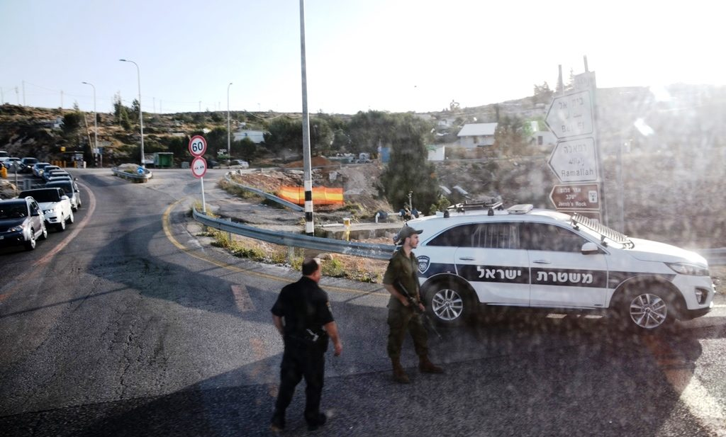 Police checking cars near Ramallah after IDF soldier was mortally wounded