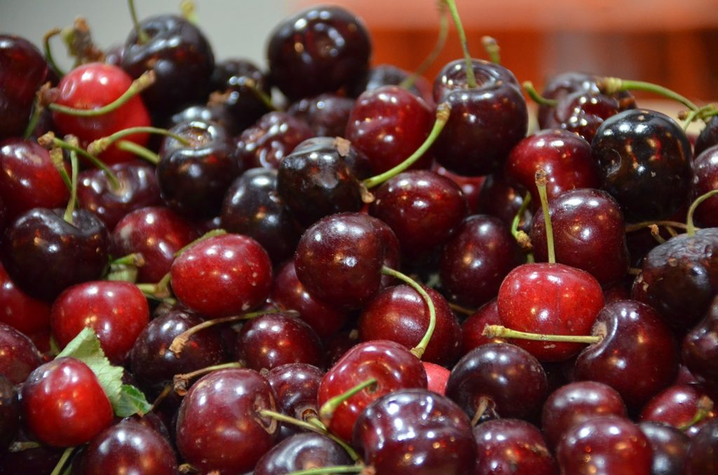 Cherry season in Israel, Machane Yehuda Market