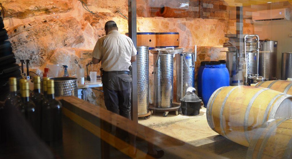 Elon Moreh Kabir Winery
