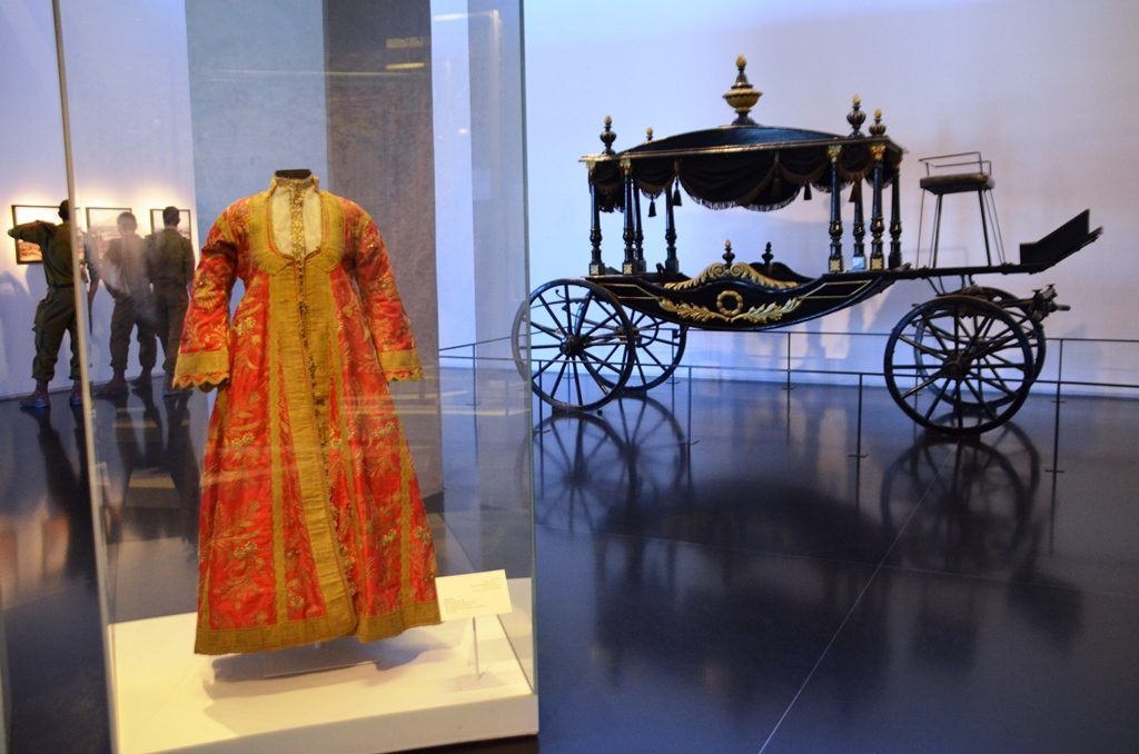 Wedding gown and carriage at Israel Museum