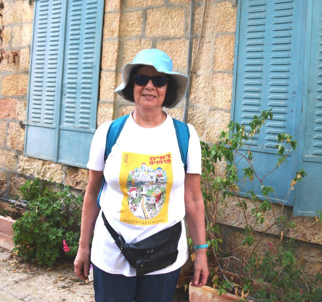 Volunteer in tee shirt for open house