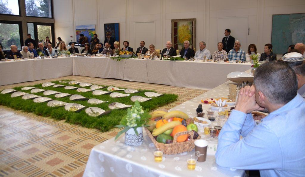 Israeli President hosts Tu Bishvat seder