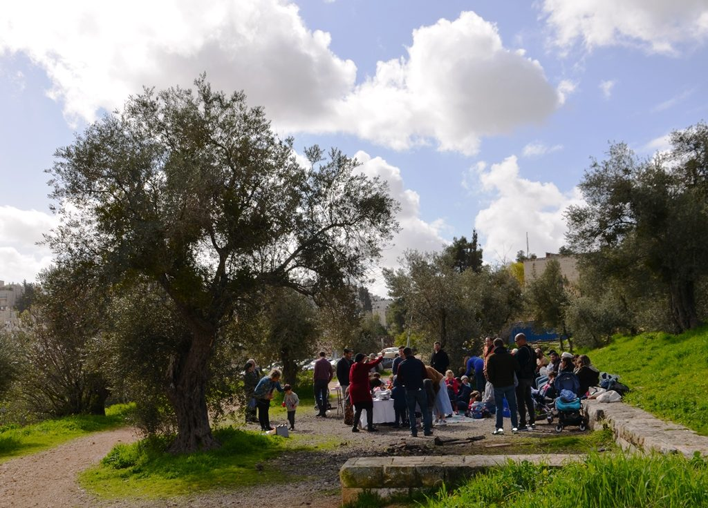 Nursery Shabat party in Jerusalem Park