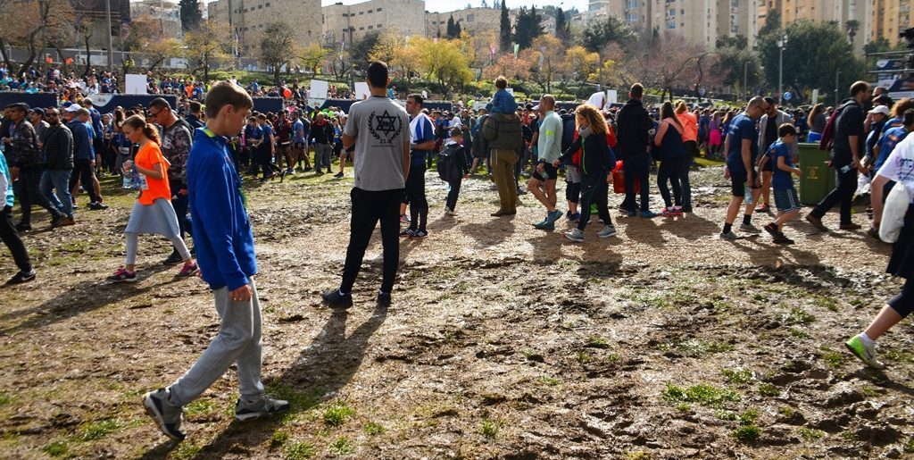Mud at Jerusalem marathon in Sacher park