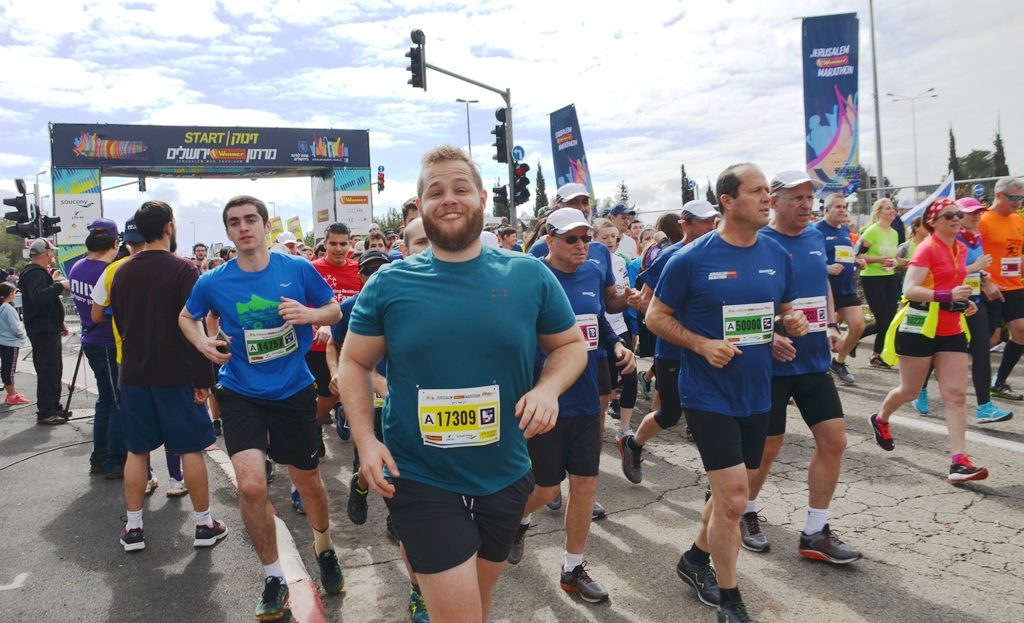 Former mayor Nir Barkat running 10 K race in Jerusalem marathon