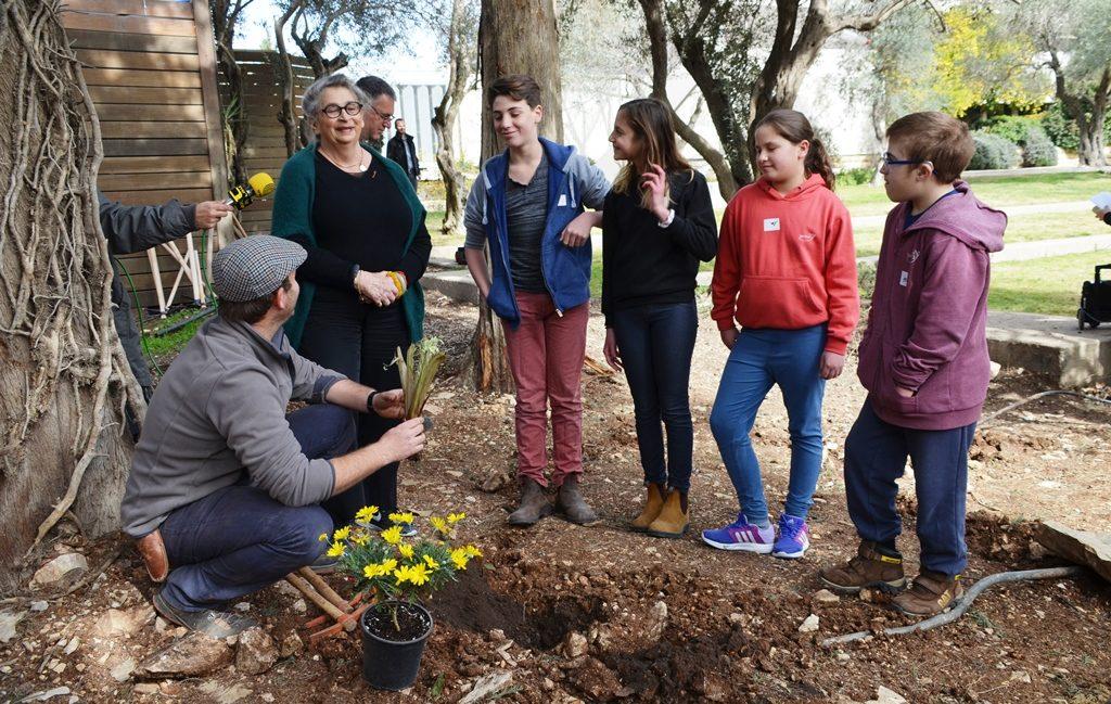 Tu BeShvat in Beit Hanasi garden Nechama Rivlin planting