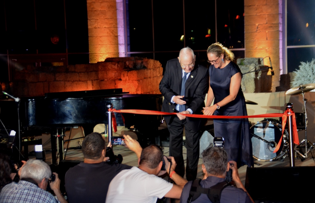 President Rivlin and Arianna Rothschild cutting ribbon at new visitor center in Caesarea, Israel