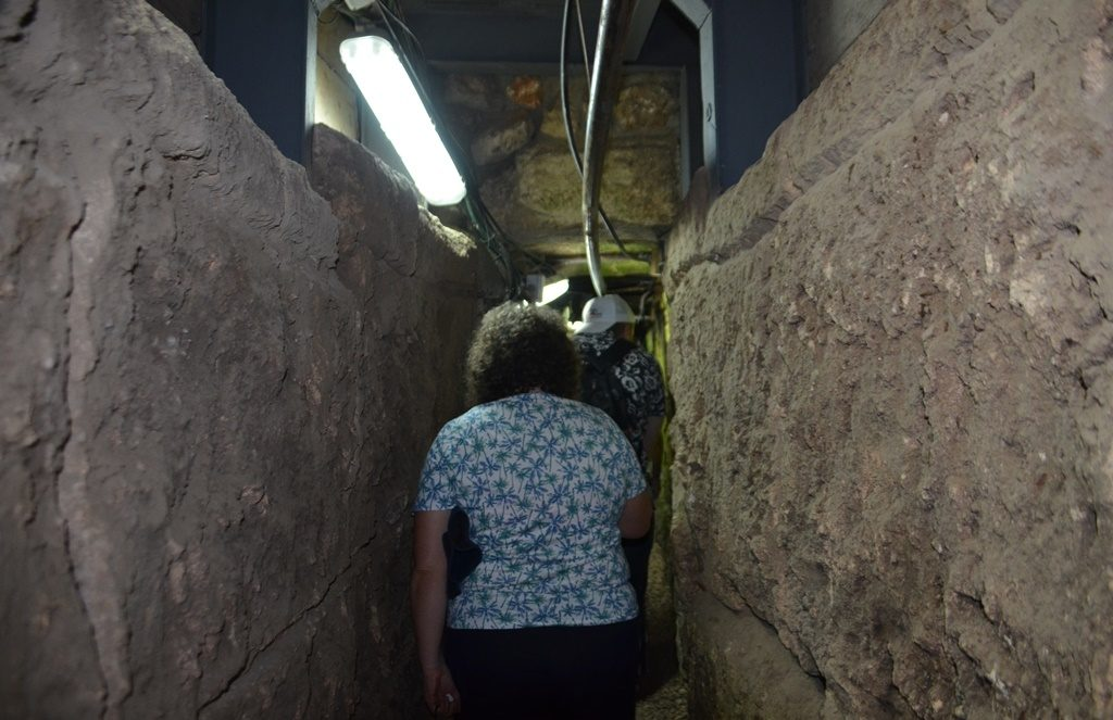 Jerusalem drainage route unearthed and from Givati parking lot to Western Wall