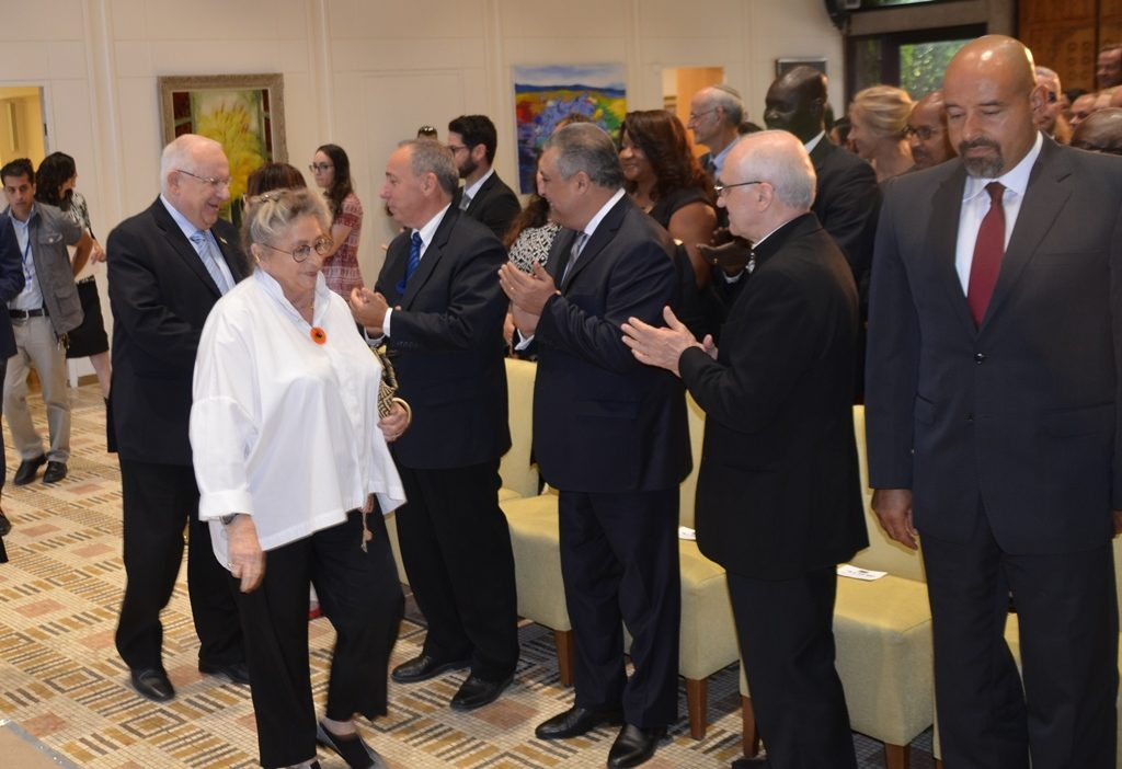 Nechama Rivlin in 2016 without oxygen at Beit Hanasi reception