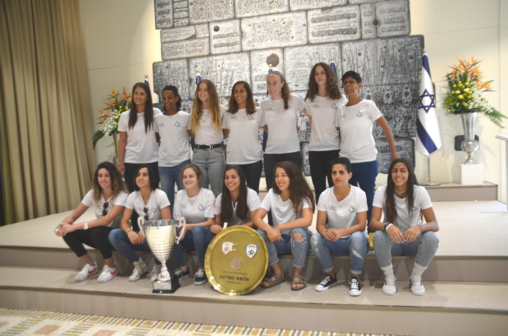 Israeli champion female football team, winning soccer players