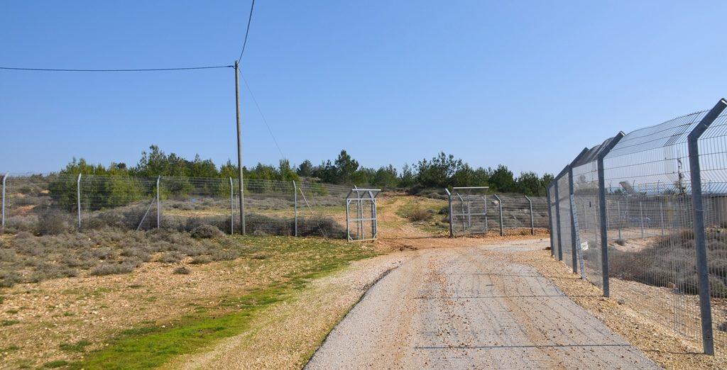 Israel Lebanon border fence
