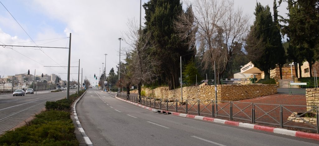 Jerusalem street without traffic near Har Herzl