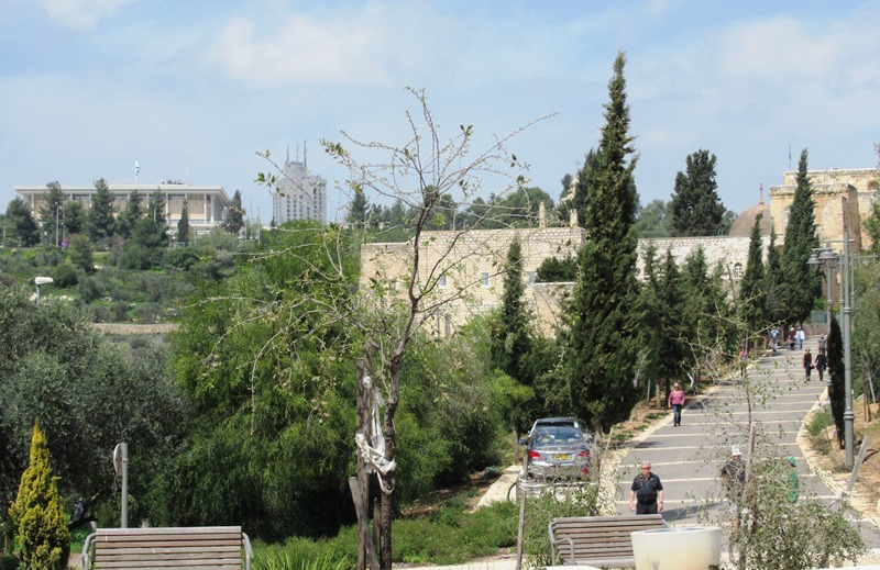 Valley of Cross in Jerusalem walking path