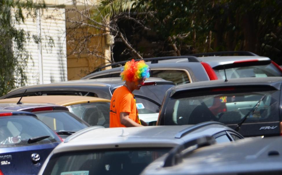 Purim costume in Jerusalem traffic