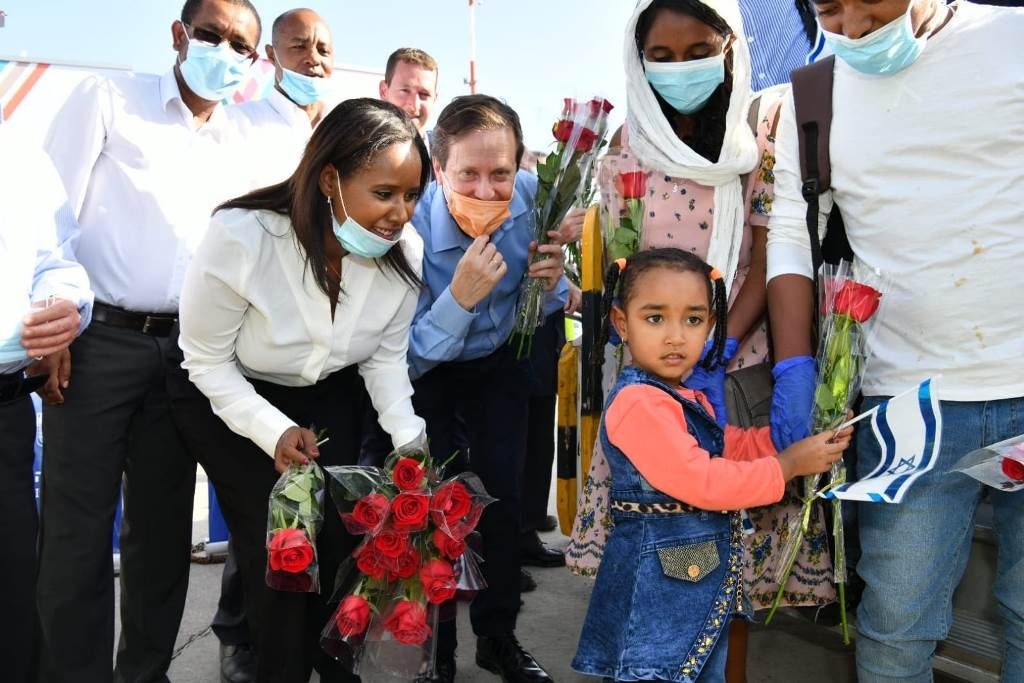 New olim from Ethiopia arrive in Israel