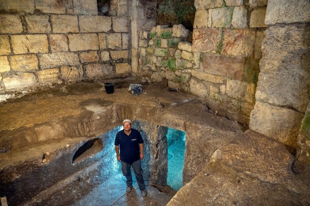 under the Kotel excavation