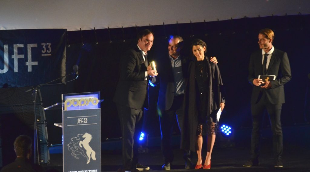 Quentin Tarantino received a special award from Mayor Nir Barkat before the film.