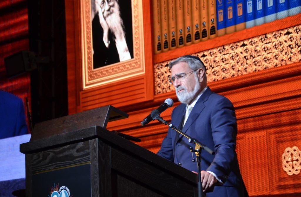 Dinner for Rabbi Adin Steinsaltz at the Orient Lord Rabbi Sacks speaking