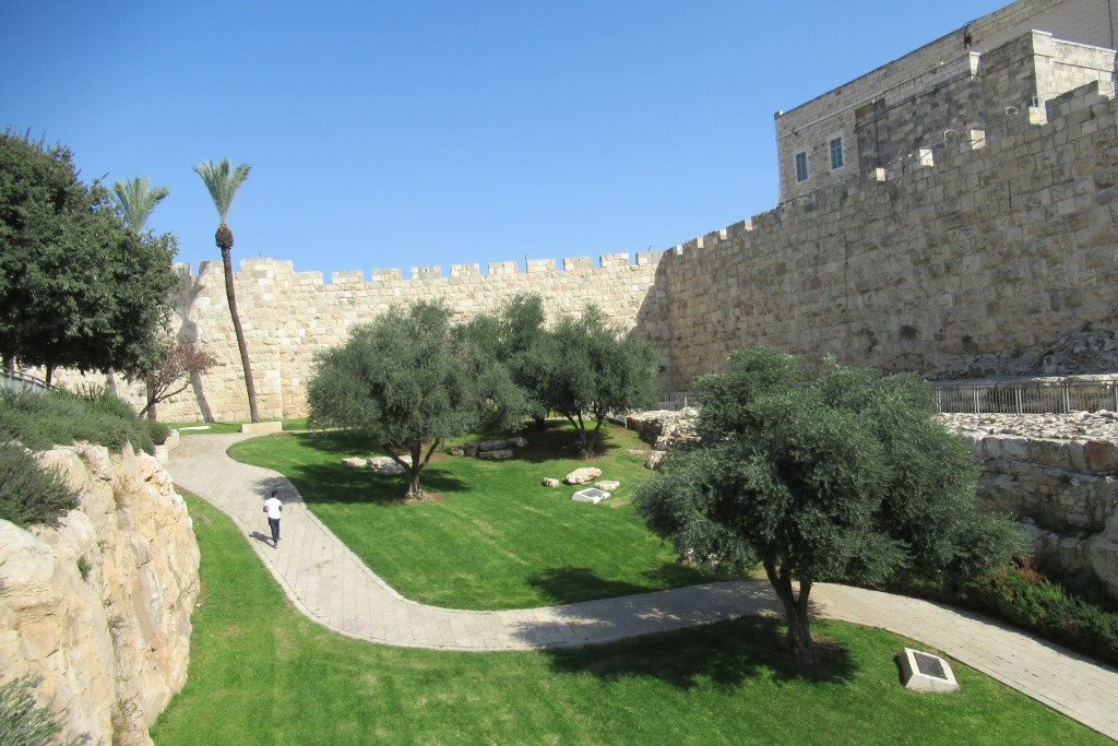 This image has an empty alt attribute; its file name is A-new-park-near-Old-City-Walls-between-Jaffa-Gate-and-New-Gate.jpg